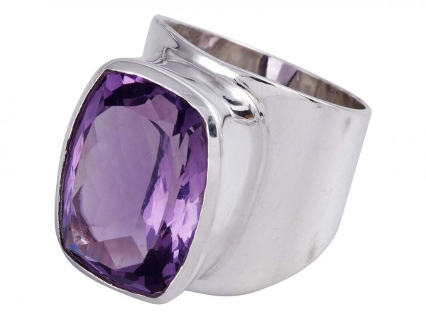 TOP Amethyst Ring