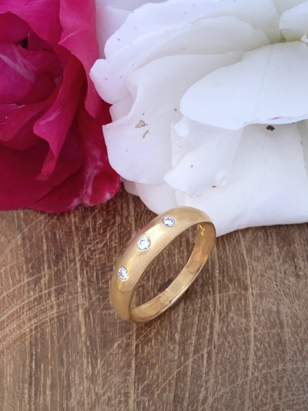 Diamond Ring 18k gold