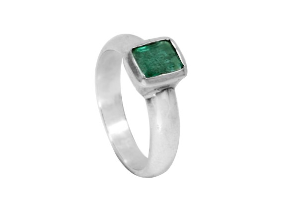 TOP Emerald Ring