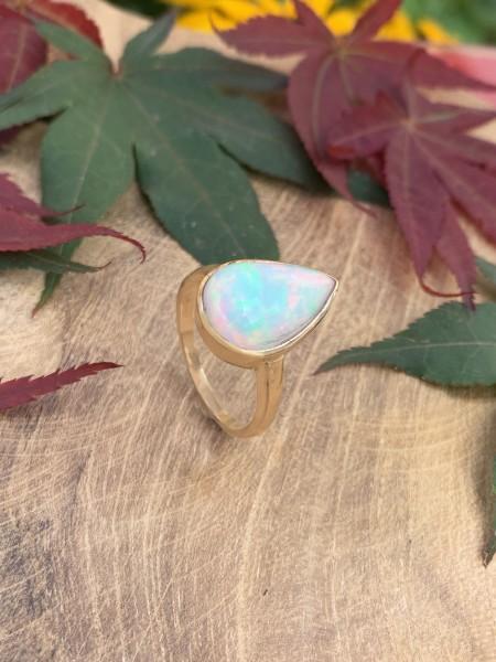 TOP Opal Ring 14 k Gold