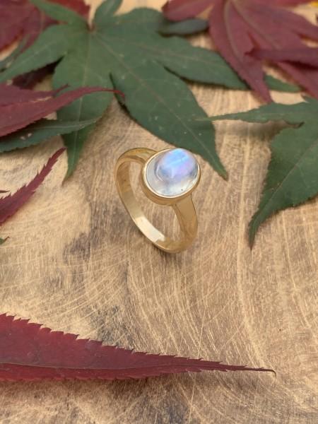 TOP Moonstone Ring 14 k Gold